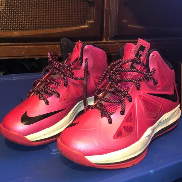 detailed look 05dfc a4feb Lebrons Nike Women Shoe